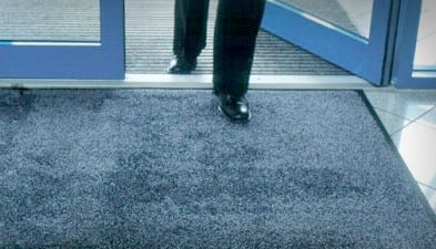 Фото: Как повысить имидже компании за счет обычного коврика от